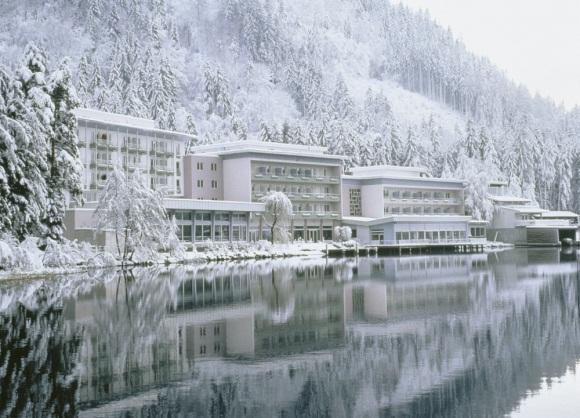 Zwischen Gifpeln, Pisten und Käsefondue: Ski Urlaub bei ROBINSON