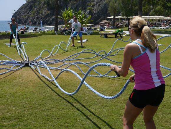 Seilspringen für die Arme: Ropetraining – der neue Fitnesstrend aus den USA – bei ROBINSON