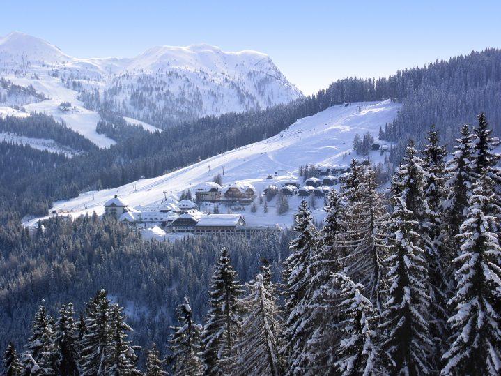 ROBINSON Club Schlanitzen Alm direkt im Skigebiet Nassfeld im Winter