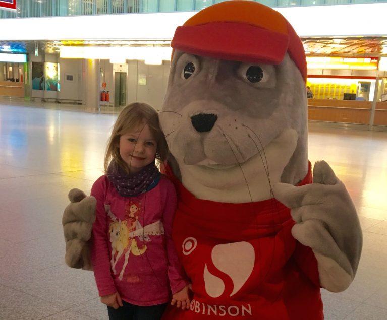 ROBY überrascht zum Valentinstag Klein & Groß am Flughafen Hannover
