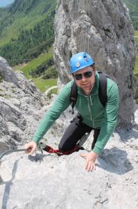 René am Klettersteig Däumling, direkt nach der langen Nepal-Seilbrücke.