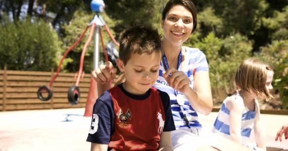 ROBINSON Mitarbeiterin in der Kinderbetreuung