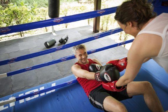 Paar beim Thaiboxen