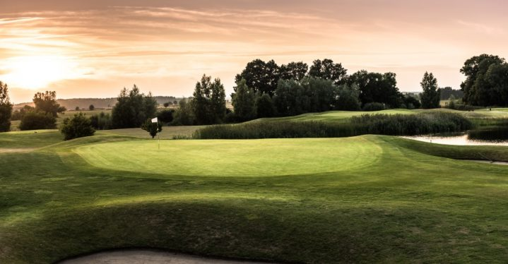 Promis & ROBINS auf die Greens! Der Eagles Charity Golf-Cup bei ROBINSON