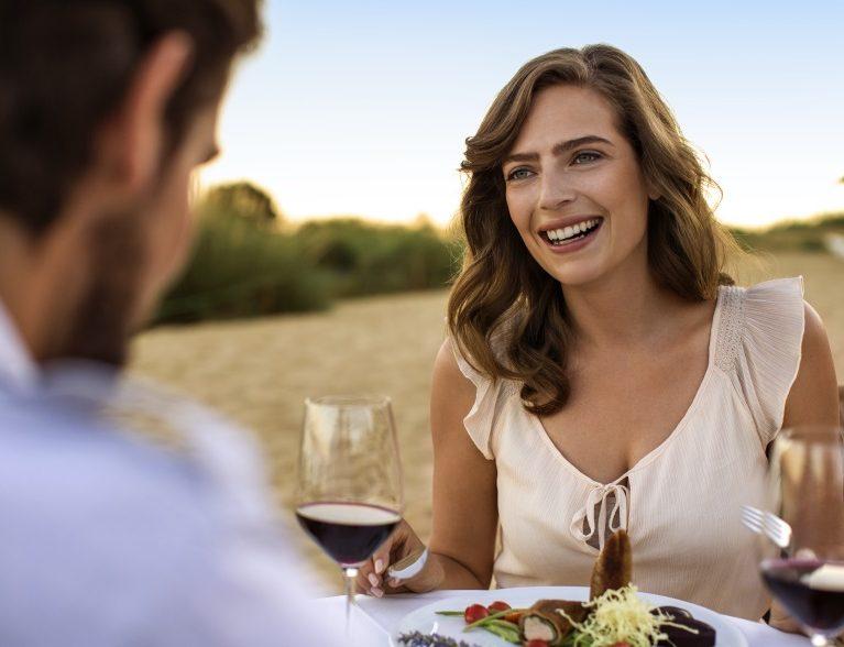 Hier ist nicht das Dinner unbezahlbar, sondern der Augenblick: DAS EDEL bei ROBINSON