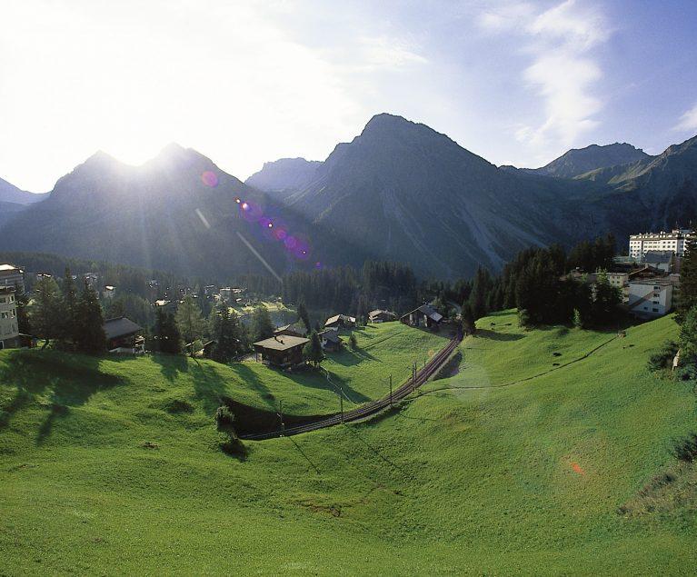 Die Schweizer Alpen sind prädestiniert für eine ausgedehnte Wandertour