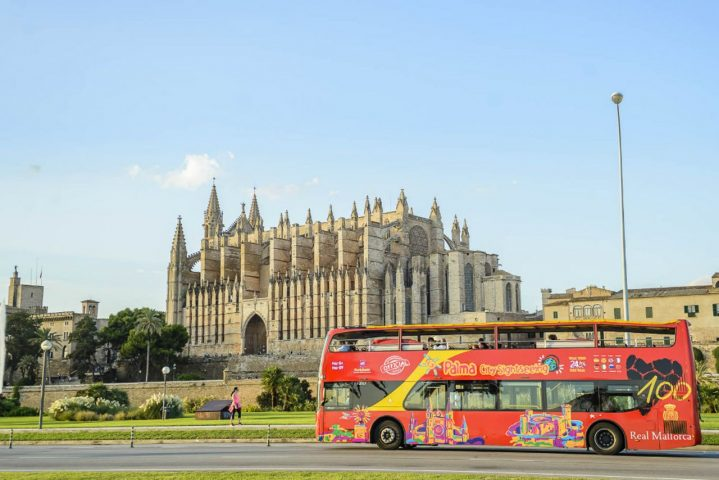 Sightseeing-Bus in Palma auf Mallorca