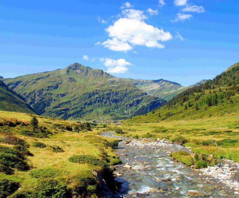 Hier möchte man bleiben: Die Bergwelt rund um Hermagor ist landschaftlich einmalig schön.