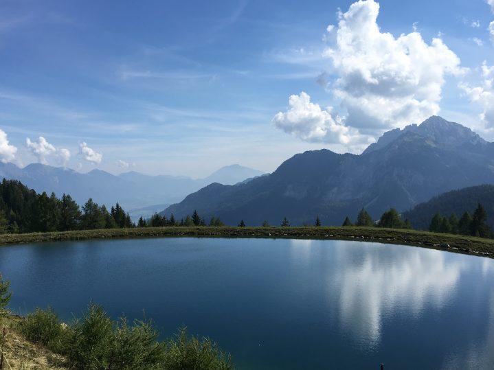 Bergsee im Gebirge