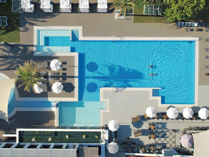 Blick auf den Pool des ROBINSON Clus Quinta da Ria, Algarve, Portugal
