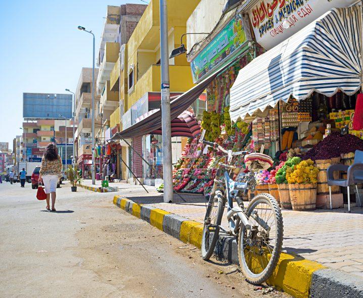 Fahrrad in den Straßen Hurghadas