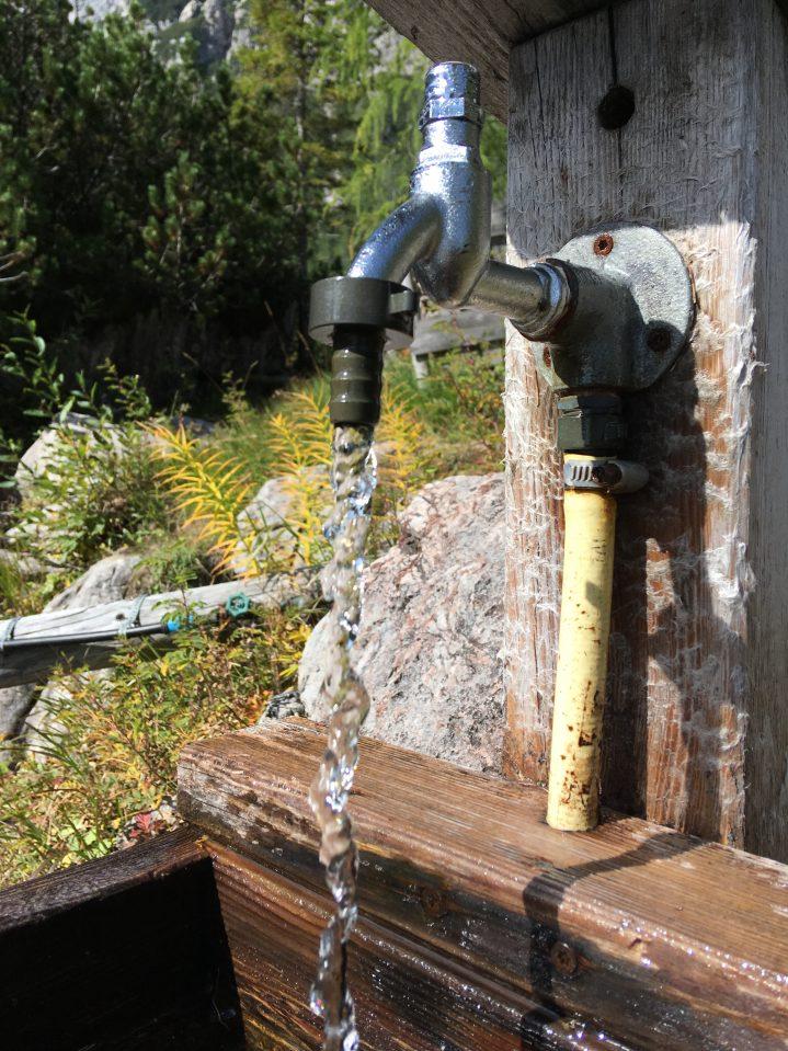 Wasserstelle in den Bergen