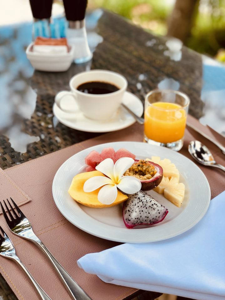 Frühstück im Restaurant Terrace Club Khao Lak
