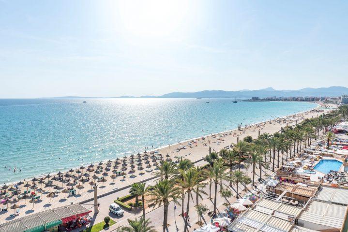 Blick von obe auf die Playa de Palma, Mallorca