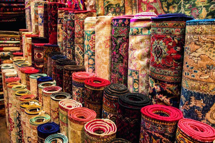 Teppiche auf einem türkischen Basar