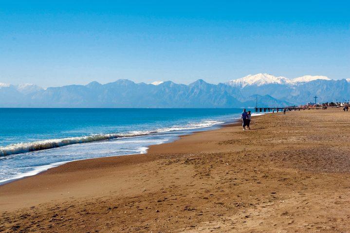 Strand in Belek mit Bergblick