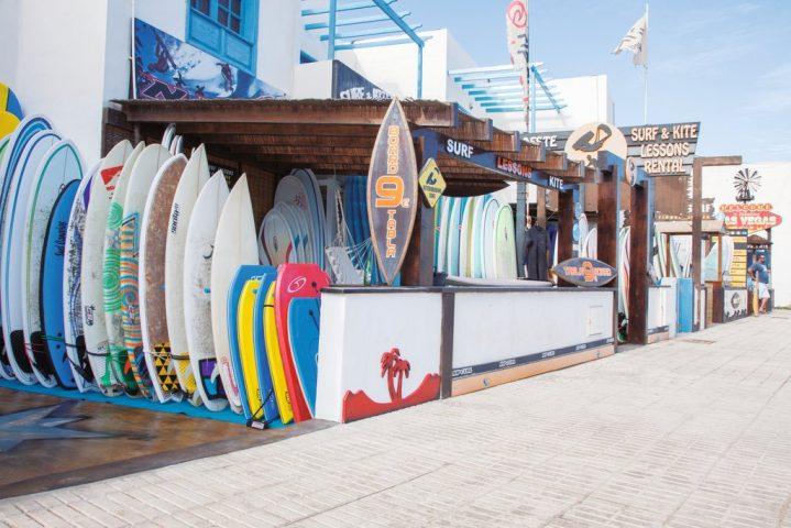 Surfboard Laden in Famara, Lanzarote, Kanarische Inseln