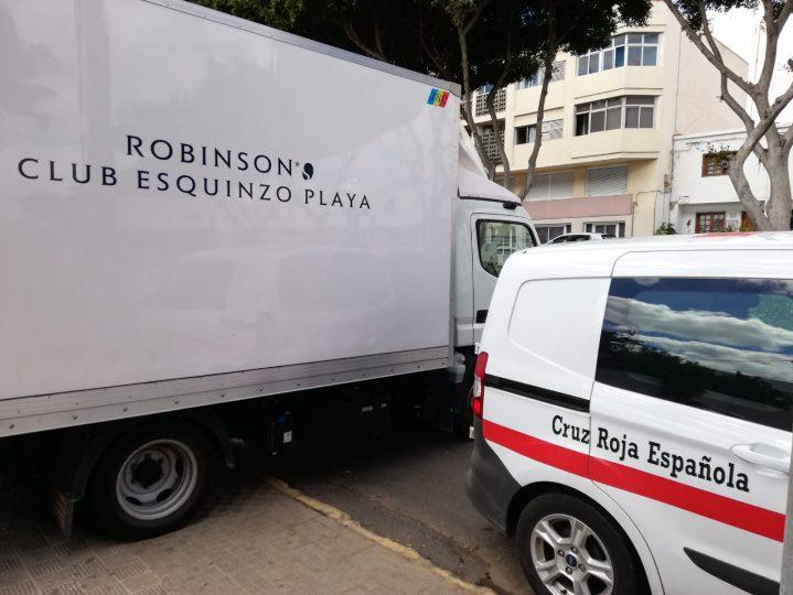 LKW und Transporter des Roten Kreuzes