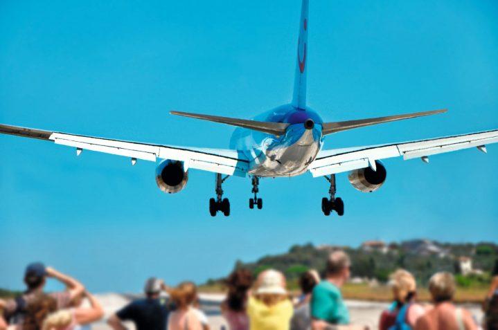 TUIfly Flugzeug landet