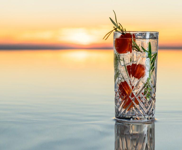 Cocktail Sundown at Morroskai