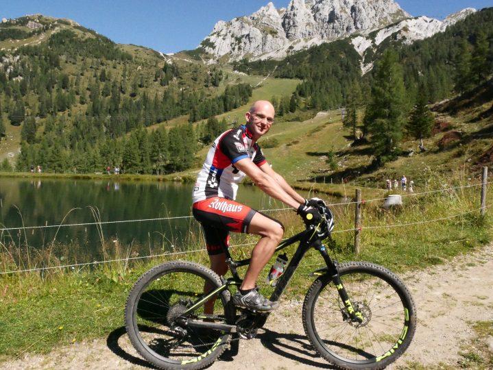 Mountainbiker in den Bergen in Kärnten