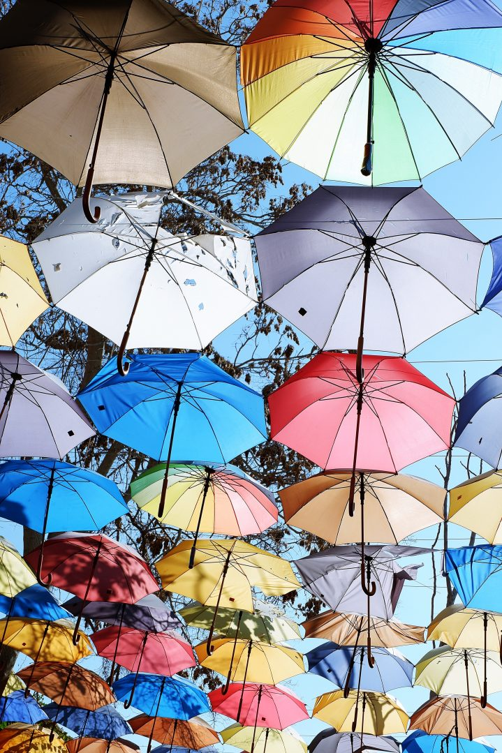 Bunte Regenschirme in Nikosia Zypern