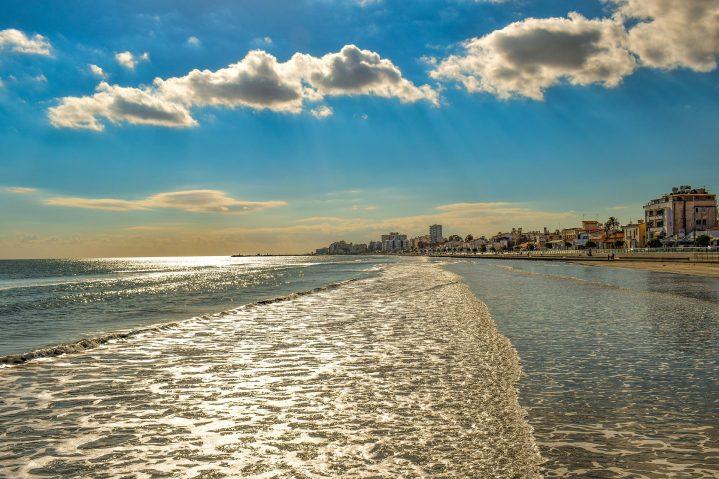 Larnaca am Strand Zypern