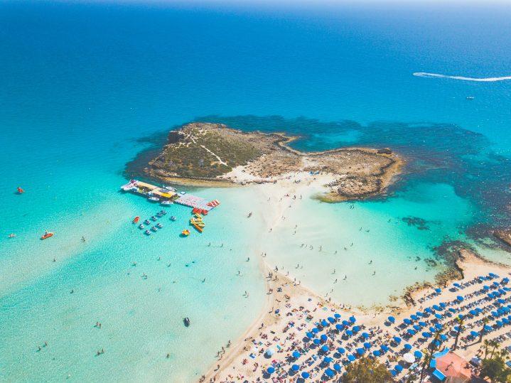 Ayia Napa Strand auf Zypern von oben