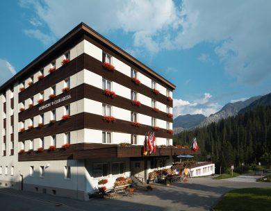 Sommerurlaub in der Schweiz: Der ROBINSON Club Arosa hat ab Juni 2021 auch im Sommer für Gäste geöffnet.