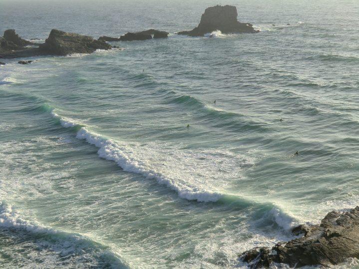 Meeresbrandung am Strand Praia da Arrifana