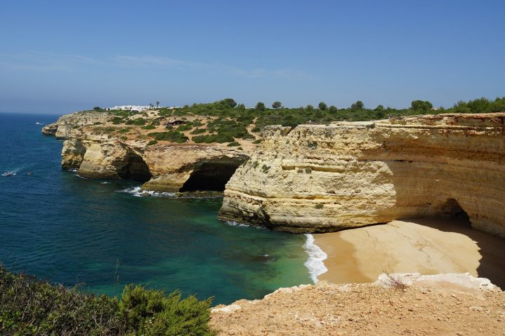 Felshöhlen am Strand Praia de Benagil