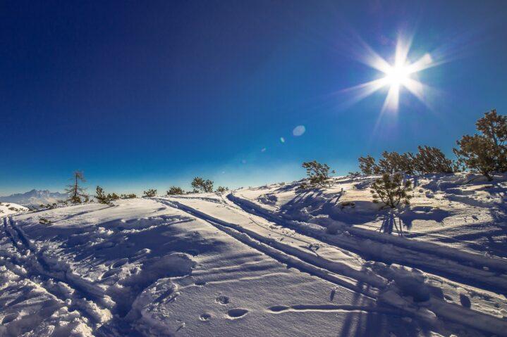 Winterlandschaft bei Sonnenschein