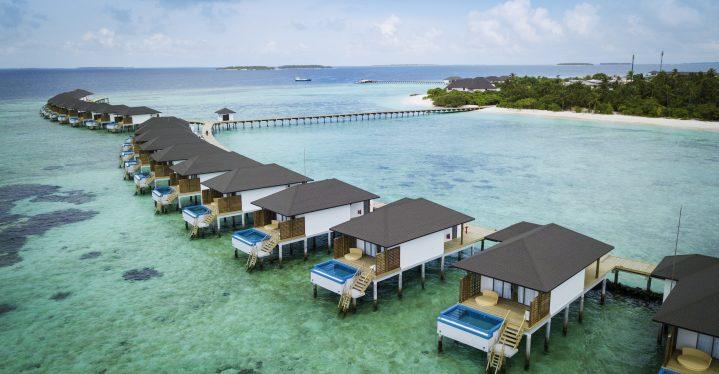 Traumhafte Aussicht: Die Wasserbungalows im Robinson Club auf den Malediven