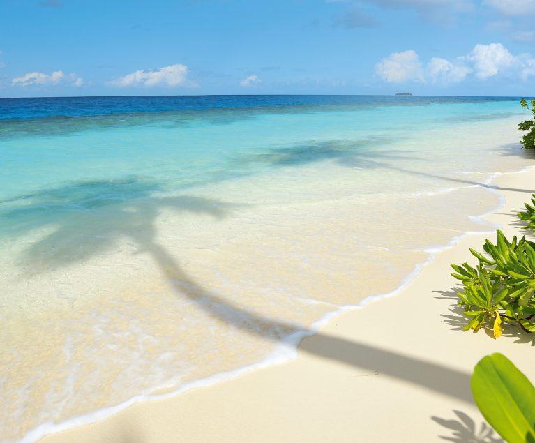 Sandstrand auf dem Süd Gaafu Atoll auf den Malediven