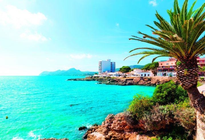 Meeresbucht in Cala Ratjada auf Mallorca